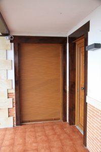 Puertas exteriores, carpintería