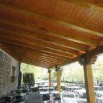 Reforma en porche de restaurante